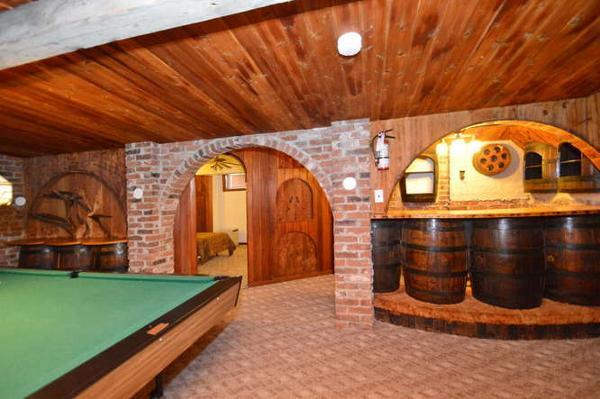 6 Bed Blue Mountain Cottage with Indoor Hot Tub #162