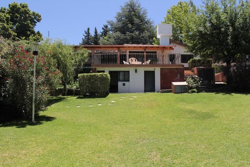 Acogedora casa rústica en Vistalba, vacation rental in Province of Mendoza