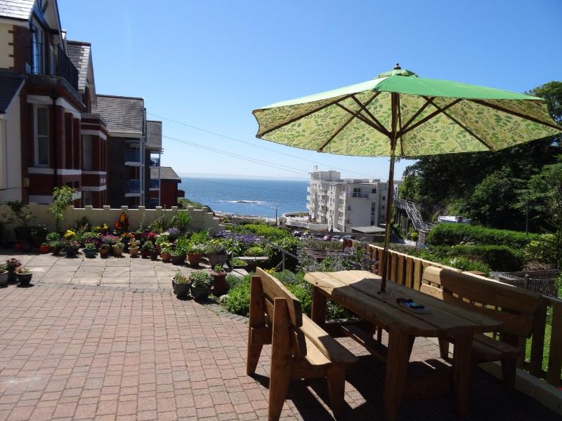 The Garden Flat, holiday rental in Mumbles