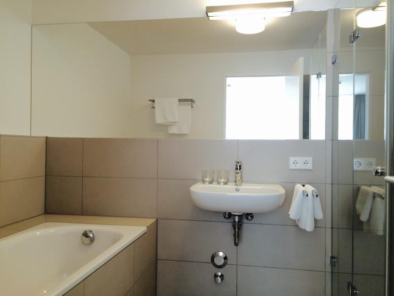 Ensuite bathroom with daylight / master bathroom with daylight