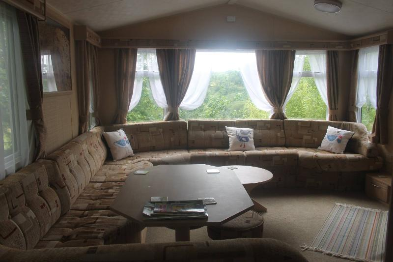 The Valley Campsite Static Caravan, vacation rental in Whitland