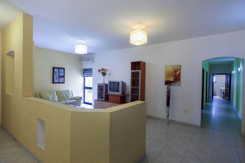 Delightful Centrally located Apartment, Ferienwohnung in Marsa