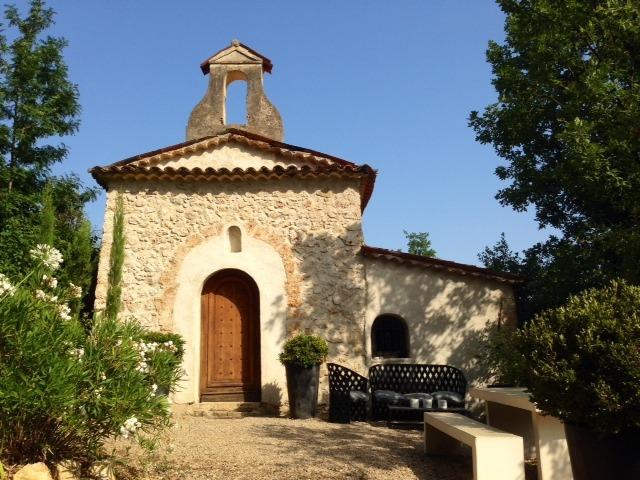 Façade principale Chapelle du Domaine Saint Sauveur