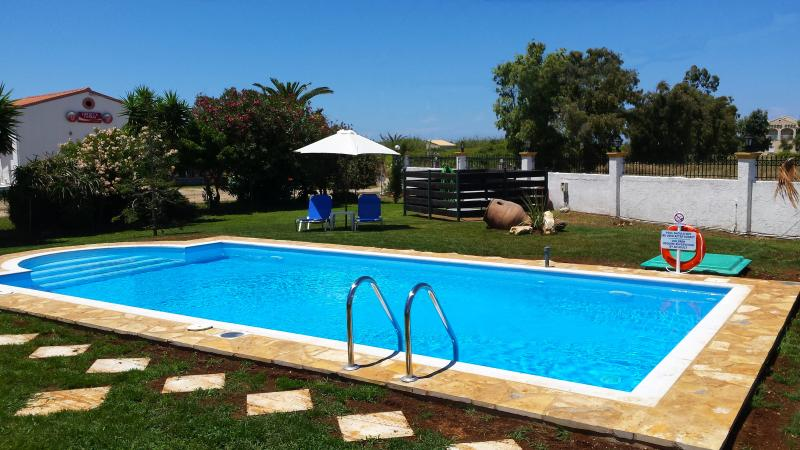 All day sunny pool. 40 sq meters