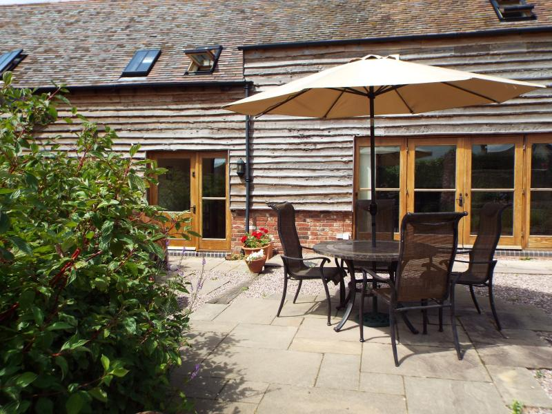 Oakwood Grange Cottage, Ryton located between Shrewsbury and Church Stretton., holiday rental in Condover
