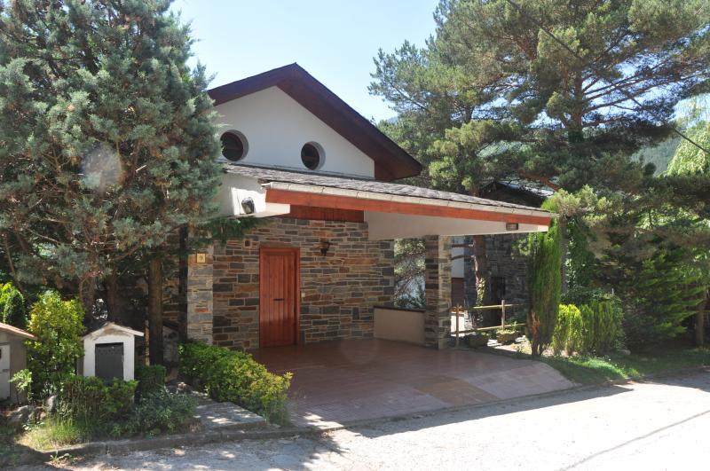 Alquiler de casa en Planoles  (Girona)  Disfruta del silencio y de la naturaleza, holiday rental in Ripoll