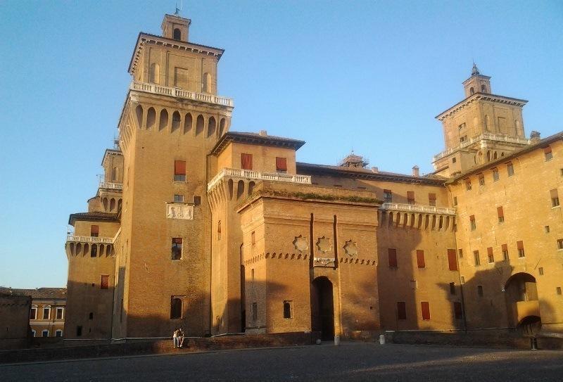 Luxurious apartment in Ferrara, vacation rental in Santa Maria Maddalena