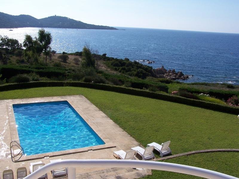 AQUAROSSA PRESTIGE BORD DE MER PLAGE SABLE PISCINE, holiday rental in Coti-Chiavari