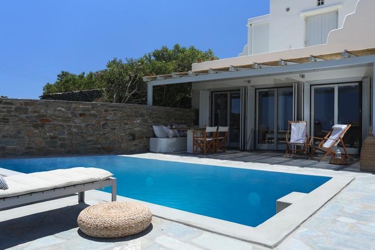 Anemos Villa with private pool, location de vacances à Laouti