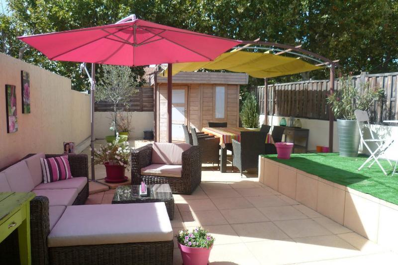 Great apartment in Carpentras, vacation rental in Carpentras