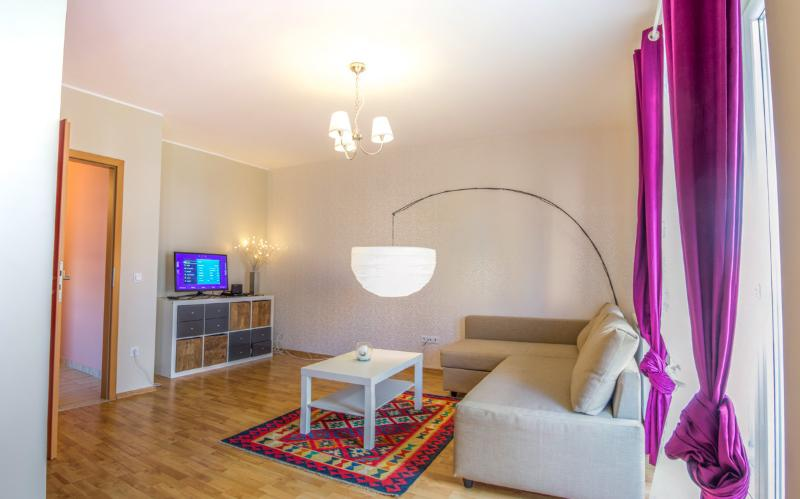 Brasov Sweet Retreat-Apartament Lola 2 rooms 60 m2, vacation rental in Poiana Brasov