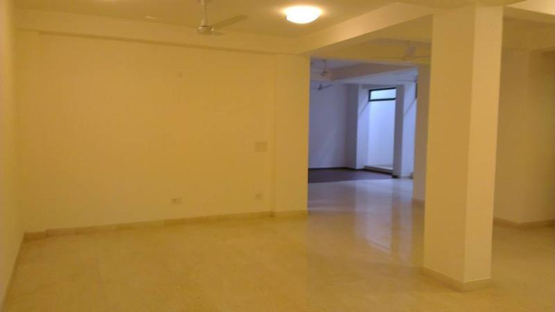Beautiful lower ground floor apartment, vacation rental in Sahibabad