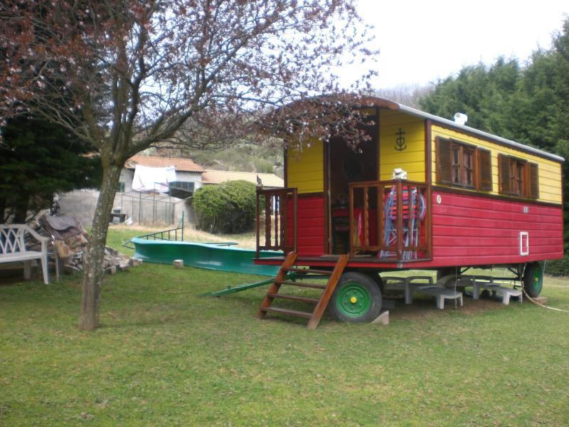 GAZOREN   ROULOTTE, holiday rental in Satillieu