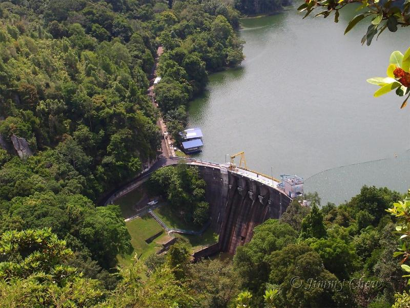 Klang Gates dam hiking trail