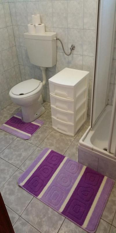 A3(4): bathroom with toilet