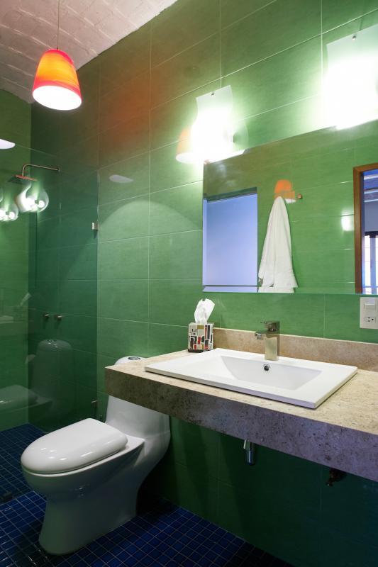 Paso Doble Washroom
