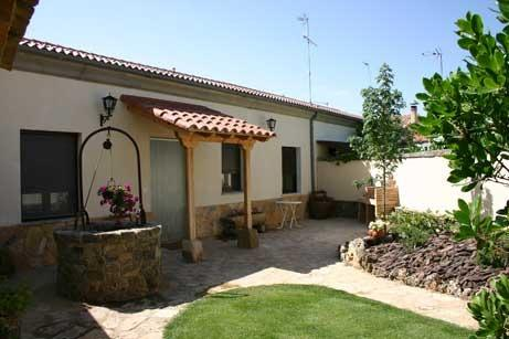casa rural el alfar, vacation rental in Calatanazor