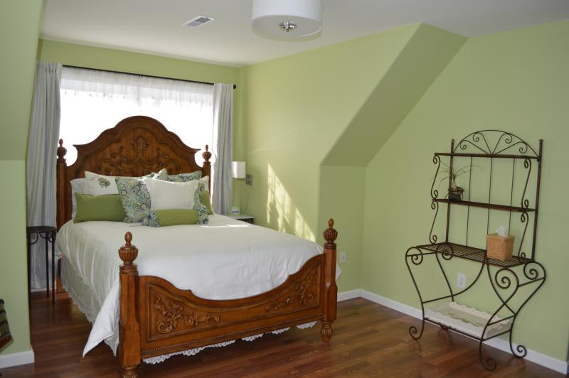 Rose Cottage Bed and Breakfast, holiday rental in Sharpsburg