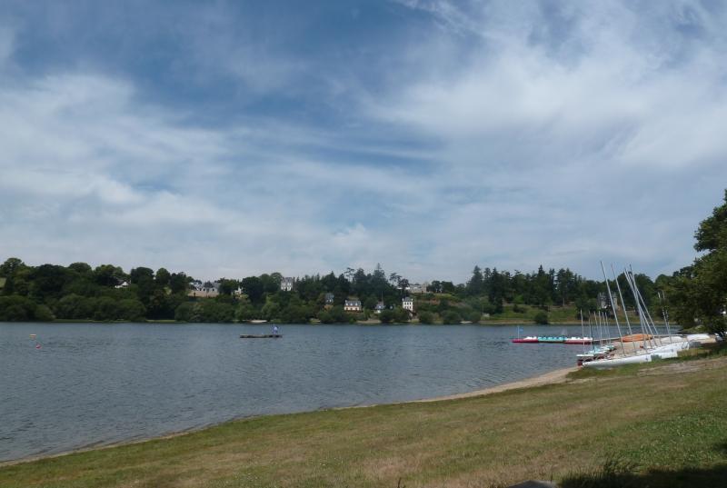 Jugon Les Lacs - Aquaparc ludique, kayak, Randonnée,  VTT