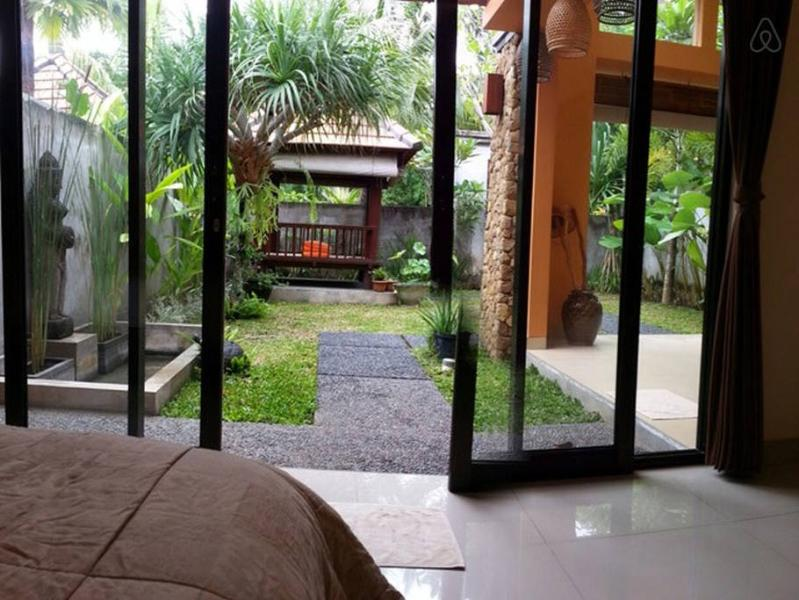 One Bed Room at The Carik Ubud Villa, holiday rental in Saba