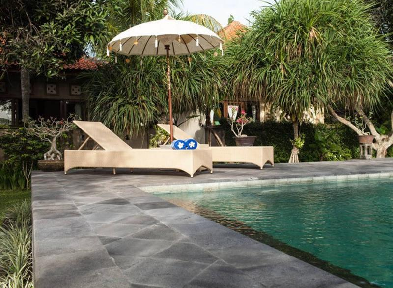 Six Bed Room at The Carik Ubud Villa, holiday rental in Saba