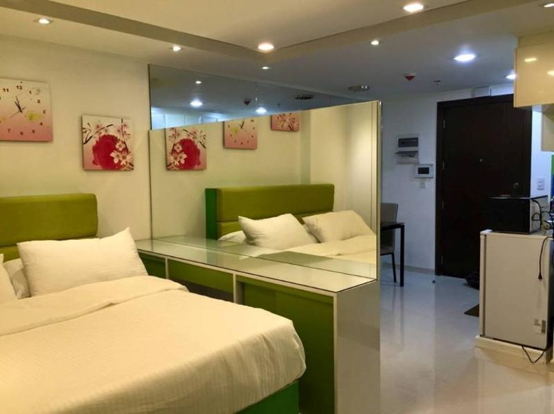 Rent Condo near NAIA T3, vacation rental in Pasay