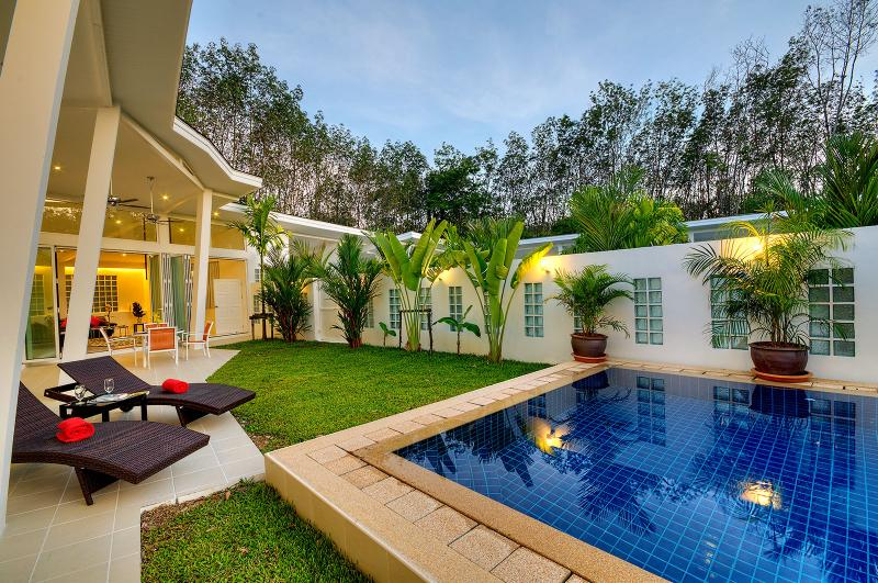 Banana villa, 3 chambres avec piscine privée et jardin tropical., vacation rental in Pa Khlok