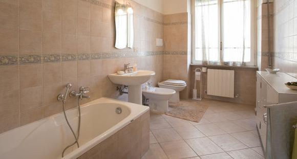 LARGE&COZY HOME- TIVOLI & ROME AREA, holiday rental in Castel Madama