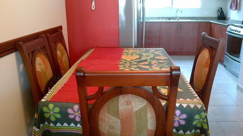 CHATEAU DE FLORE, relaxation and ceviche come see, aluguéis de temporada em Província de Esmeraldas