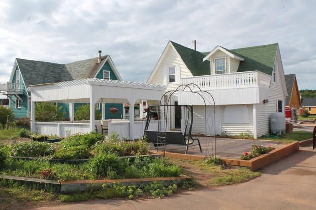 Waterfront home, vacation rental in Hunter River