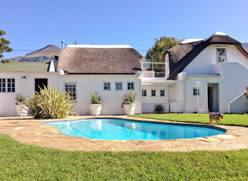 Greyton Small House - eclectic home with braai, large pool and spacious garden, holiday rental in Greyton