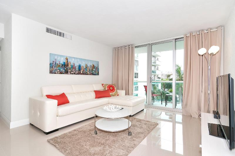 The Tides in Hollywood Beach - 1 Bedroom, holiday rental in Hallandale Beach
