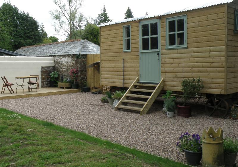The shepherds hut and private area