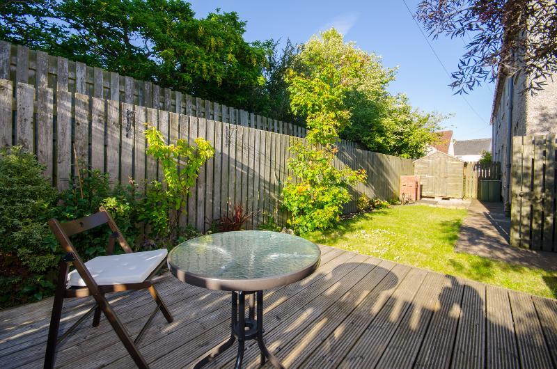 Spacious 4 bedroom Crail Holiday Rental garden and sea views