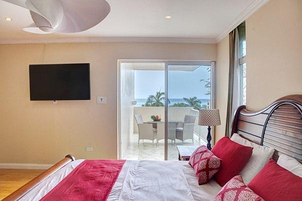 Ocean Front Montego Bay Club Apartments, vacation rental in Saint James Parish