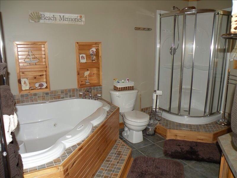 Bañera de hidromasaje es otra gran característica de escapar de una isla