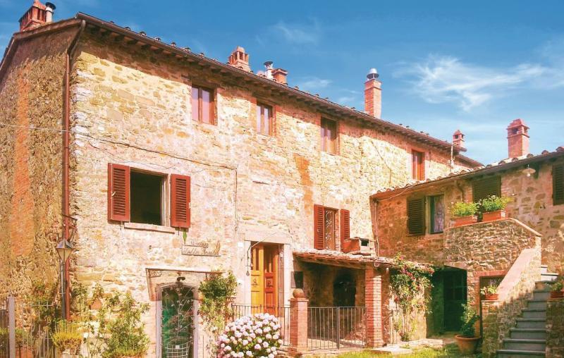 Chianti house, Florence, Siena, Arezzo, Tuscany, vacation rental in Nusenna