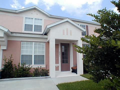 Orlando Retreat ( 1415sf TH) located in Windsor Palms Resort Community.  Just 2.5 from Disney World