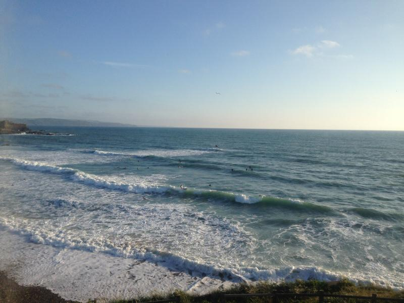 Spectacular sea/beach views from this lovely flat!, vakantiewoning in Bude-Stratton