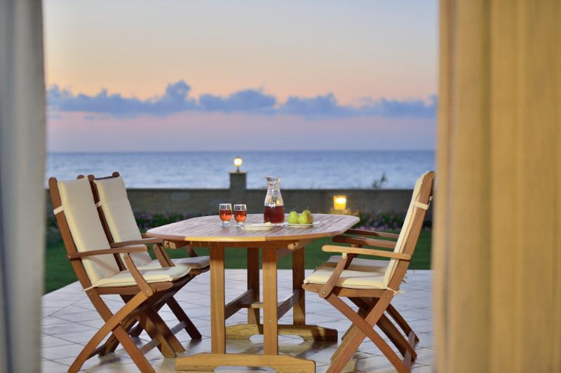 Pasithea Apartment in Crete Island, Greece, holiday rental in Nopigia