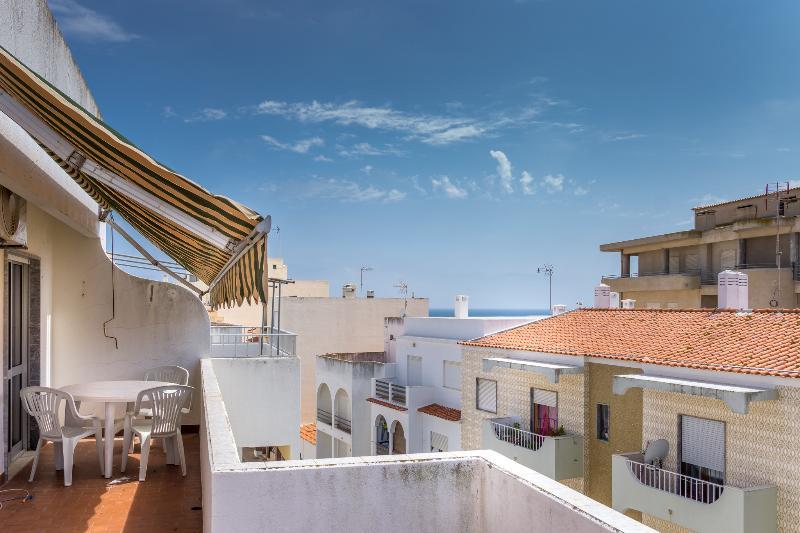 Serra Blue Apartment, Armacao de Pera, Algarve, vacation rental in Armacao de Pera