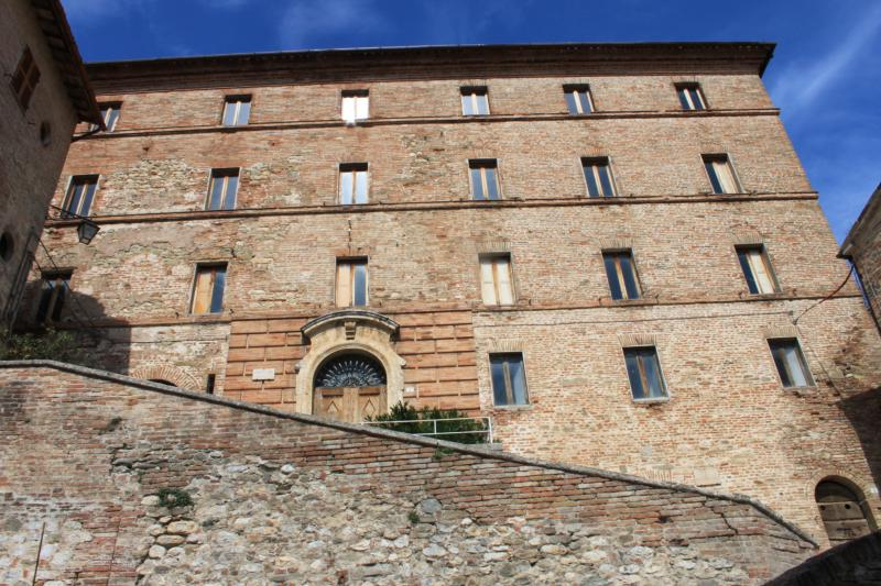 Palazzo Antonini, holiday rental in Montefortino