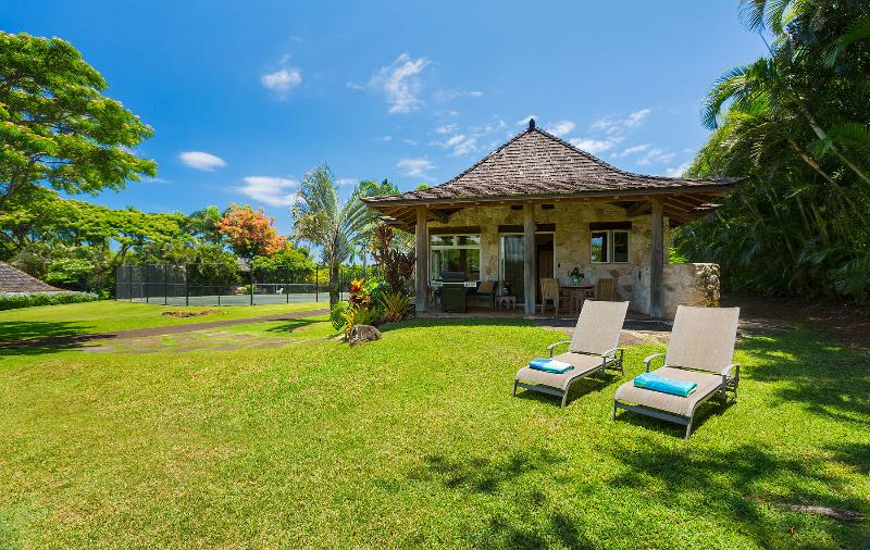 Iolani Cottage - surrounded by natures beauty, alquiler de vacaciones en Makawao