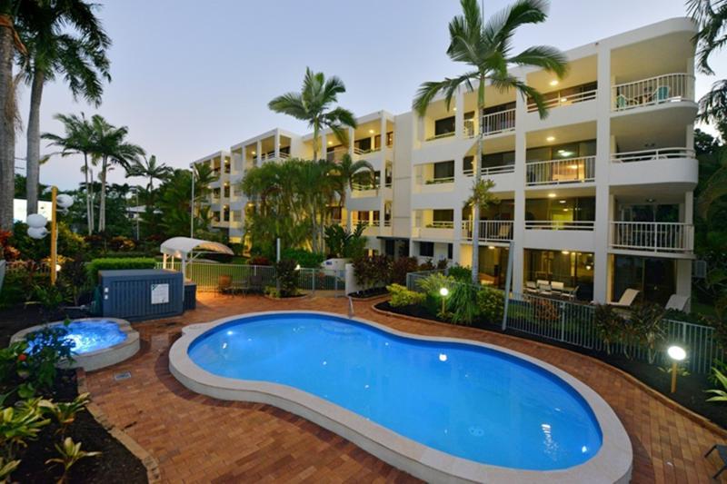 Argosy on the Beach, absolute beachfront apartments with sea/beach views!