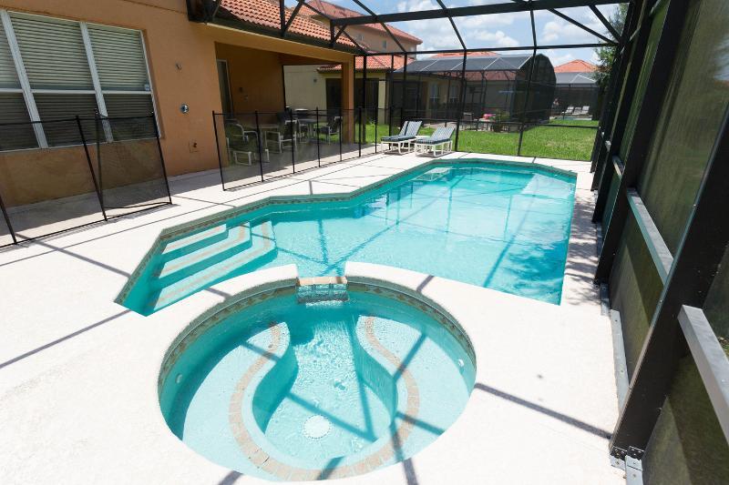 La piscine et le spa