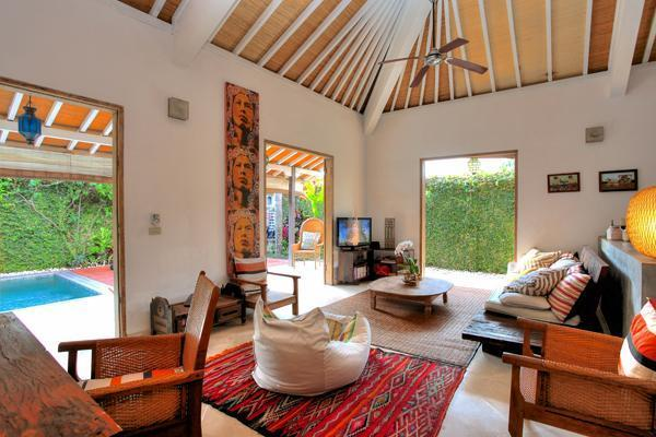 The lounge at Villa 007 has TV with international channels as well as DVD and free Wi-Fi.