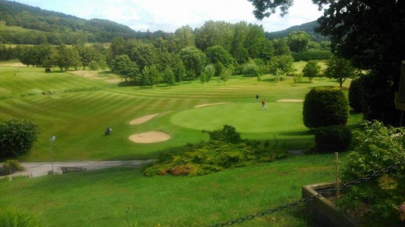 Vale of Llangollen golf course 10 mins away