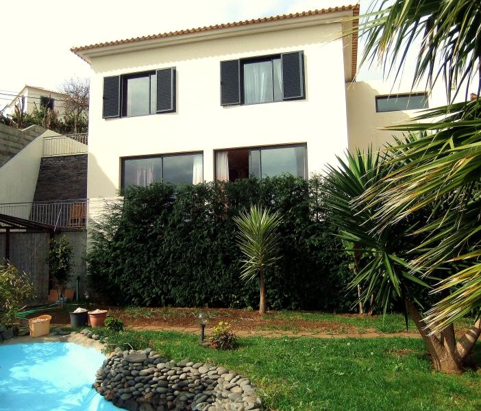 Large modern 2BR house with a view Madeira, holiday rental in Gaula