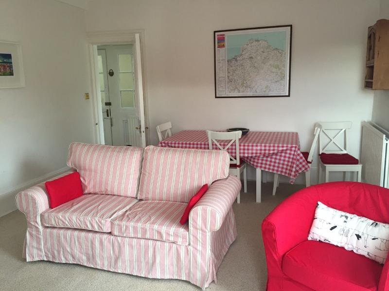 Sitting room & Dining Table
