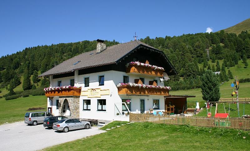 Ferienwohnunge Almsonne, Rosanin, holiday rental in Innerkrems